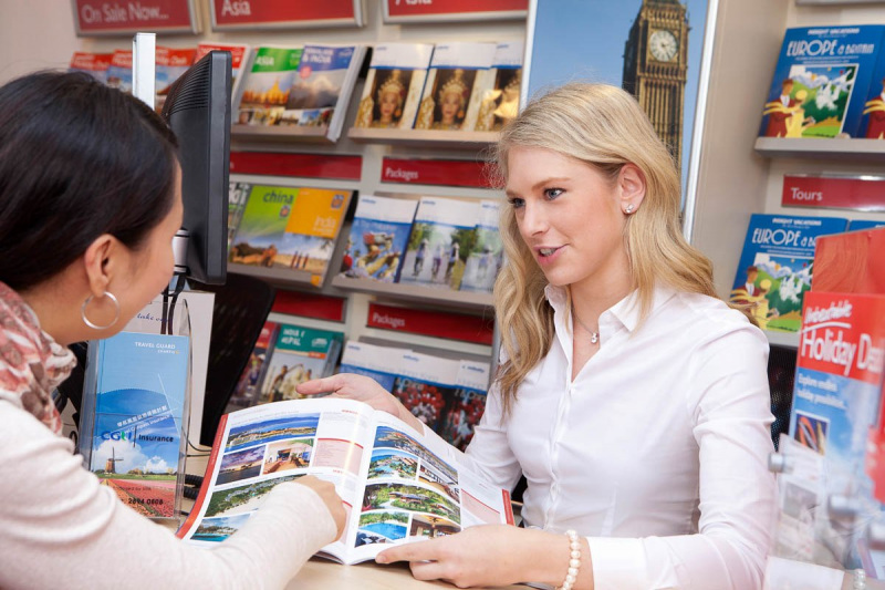working in a travel agency photos