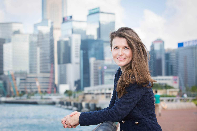 outdoor portrait in Hong Kong